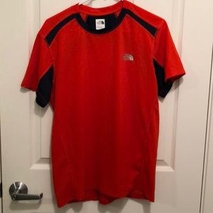 The North Face Flashdry T-Shirt Size M